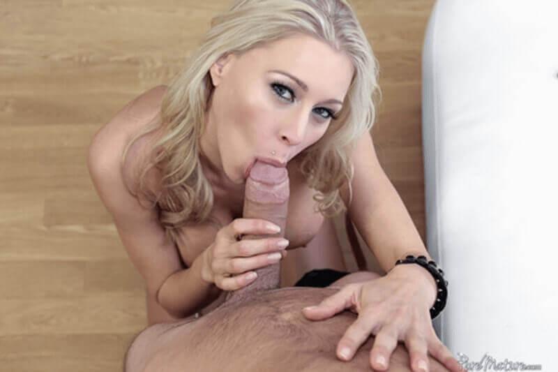 Reifes Luder beim Blowjob auf perversem Pornofoto